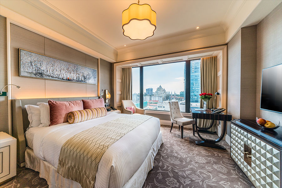 Khách sạn, Resort